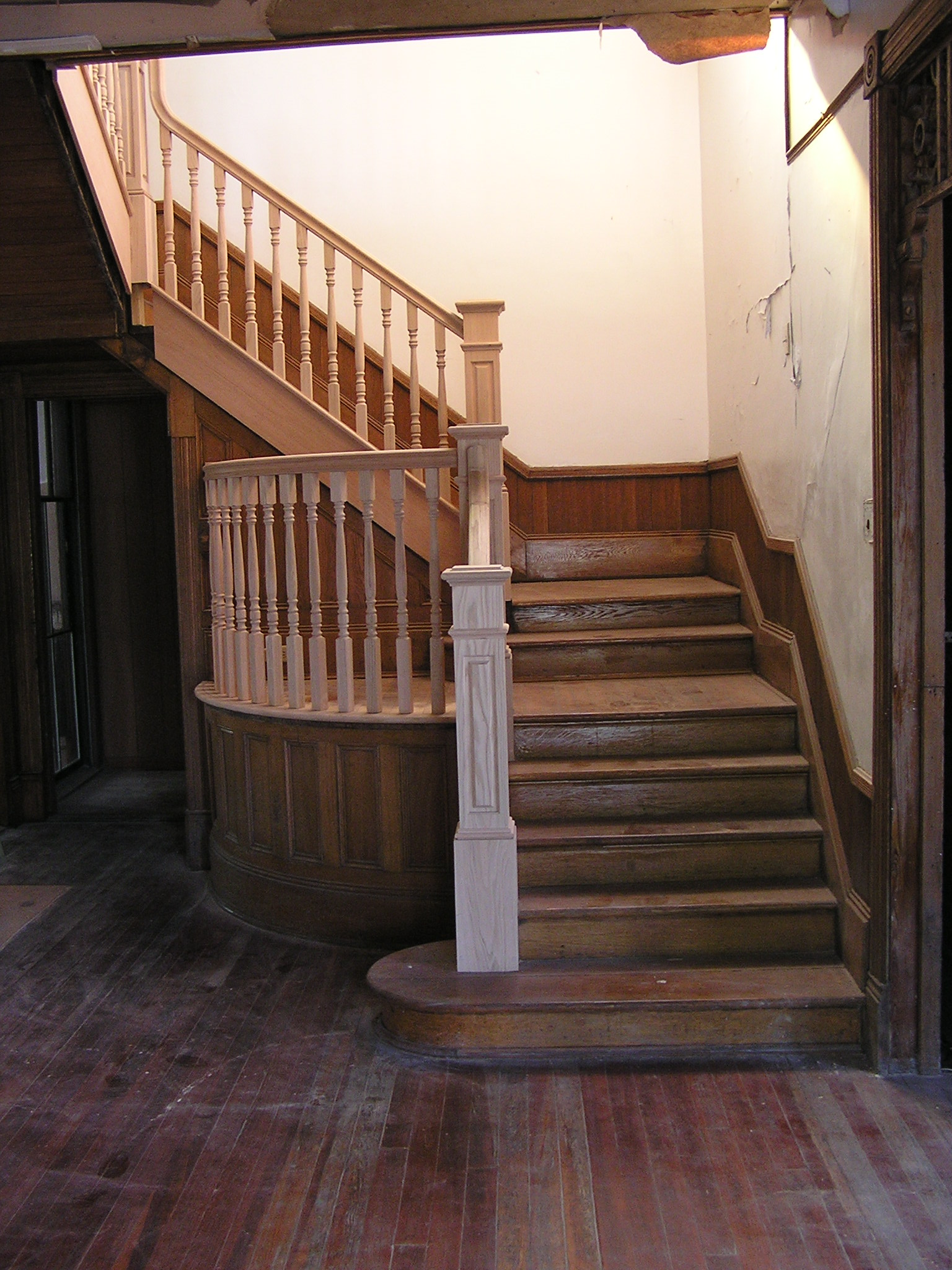 Oak stair case replaced in an old 1800 farm house, the original stair were stolen years ago while the house set empty. Today the house, out buildings, and Barn sitting on 5 ac. of land have been turn into an Urban Farm. Located on Main Street in Historic College Park.